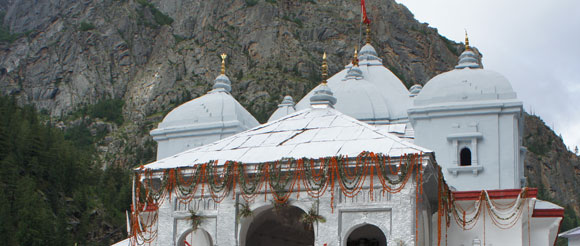 Temple in Gangotri, India, photo Infinite Love